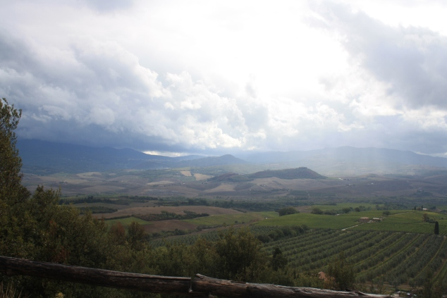 Weather front moving in toward Tenuta Col d'Orcia